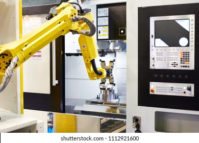 Standard universal industrial robot with part