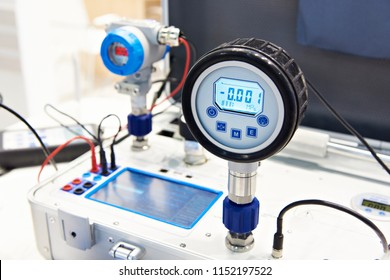 Standart pressure transmitter of portable calibrator