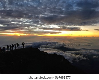 Standing in line for the Rinjani Sun