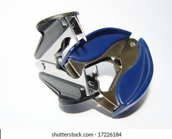 Stapler removers