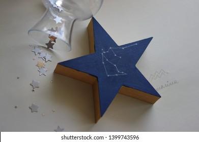 star shart of Aquarius on star-shaped object