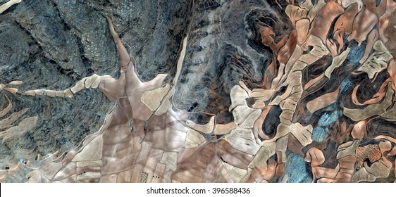 starfish,allegory, tribute to Picasso, abstract photography of the Spain fields from the air, aerial view, representation of human labor camps, abstract, cubism, abstract naturalism,