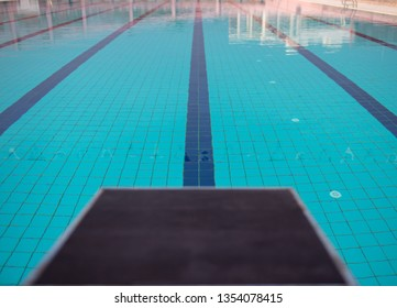 Swimming Pool Starting Blocks Images, Stock Photos & Vectors ...