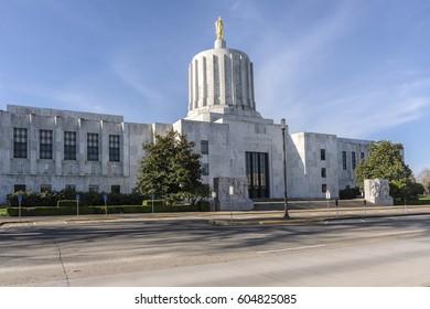 State Capitol building in Salem Oregon.