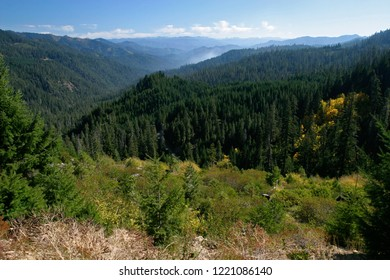State of Jefferson Scenic Byway, Klamath National Forest, California, USA