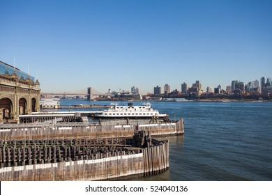 Staten island ferry and view in new york city