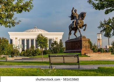 A statue of the 14th century Uzbek leader Tamerlane stands on Amir Timur maydoni, a square in the center of Tashkent, Uzbekistan.