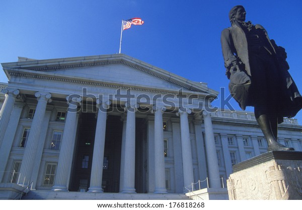 Statue of Alexander Hamilton in front of the United States Department of Treasury, Washington, D.C.