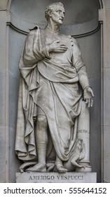 Statue of Amerigo Vespucci in the niches of the Uffizi Gallery colonnade, Florence