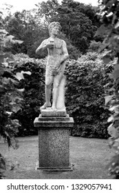Statue in a ancient greece style. This is from Gunnebo Slott in Mölndal, Sweden. A mansion that is from the 1700s and this open to the public.