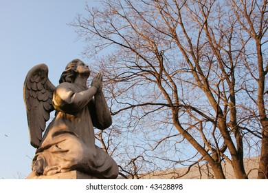 "The statue"" Angel in praying"" in the Novodevichy Convent (Moscow)"