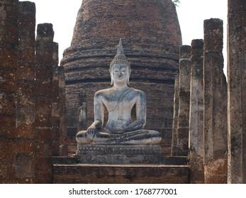 Statue in Ayutthaya Historical Park, Thailand