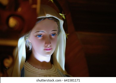 Statue of Blessed Virgin Mary, Our Lady of grace with halo stars