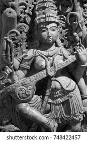 statue carvings from ancient india