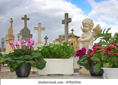 Statue in the cemetery of Alcudia (Majorca - Balearic Islands)