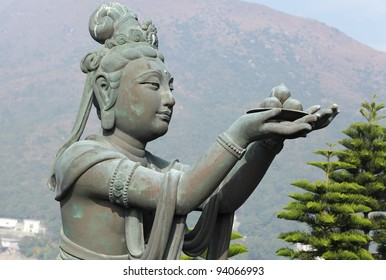 statue in chinese temple