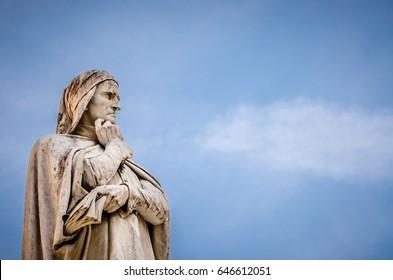 statue of Dante Alighieri, piazza dei Signori, Verona, Italy
