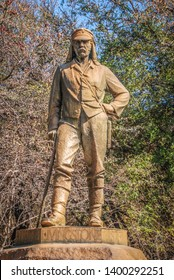Statue of the David Livingstone memorial at Victoria Falls (erected in 1875), the first statue on the Zimbabwean side, Zimbabwe, Africa