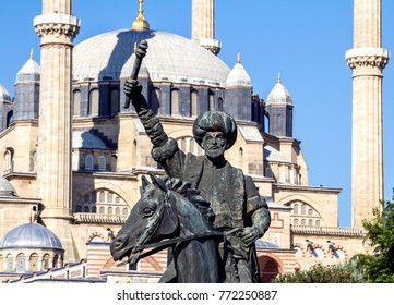 Statue of Fatih Sultan Mehmet and Selimiye Mosque in Edirne, Turkey. The UNESCO World Heritage Site of the Selimiye Mosque, built by Mimar Sinan in 1575.