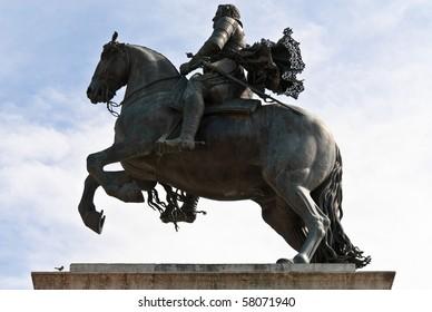 Statue of Felipe IV. Oriente square Madrid. Spain.