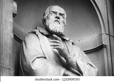 The statue of Galileo Galilei outside the Uffizi colonnade in Florence. Sculpted by Aristodemo Costoli, 1851