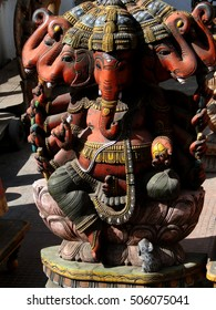 Statue of Hindu god Ganesh in Udaipur marketplace, Rajasthan, India, Asia