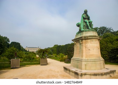 the statue of Jean-Baptiste Lamarck in Garden of the Plants