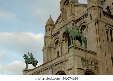 Statue of Jeanne dArc and statue of Louis IX, Basilica sacre coeur in Montmartre, Paris, France