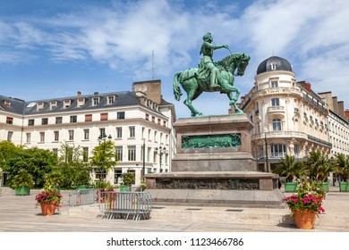Statue Jeanne d´Arc in Orleans, France