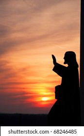statue of Jesus giving blessing