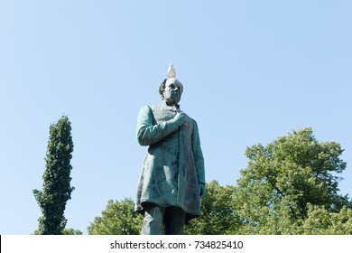 Statue of Johan Ludvig Runeberg, national poet of Finland. The statue is sculpted by his son, Walter Runeberg (1838-1920).