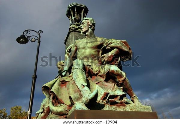 Statue From Kelvingrove  Bridge In Glasgow,Scotland