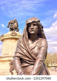 Statue of Lady Macbeth, Stratford upon Avon, Warwickshire, England, uk. 26th March 2019. For editorial use only