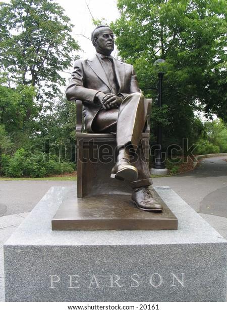 statue of Lester B. Pearson
