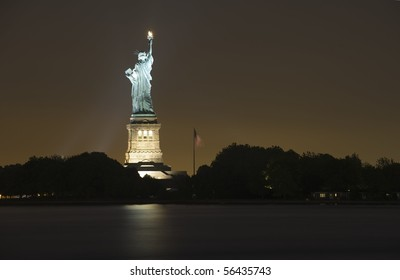 Statue of Liberty photographed at night