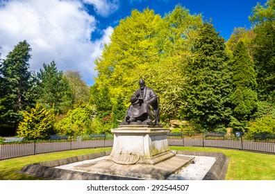 Statue Lord Kelvin im Kelvingrove Park - Glasgow, Schottland