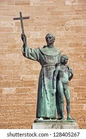 Statue of the missionary Junipero Serra (California missionary) in Majorca
