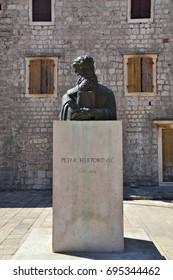 statue of Petar Hektorovic, croatian writer