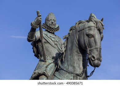 Statue of Philip III at Mayor plaza in Madrid on a suny day, Spain. With blue sky