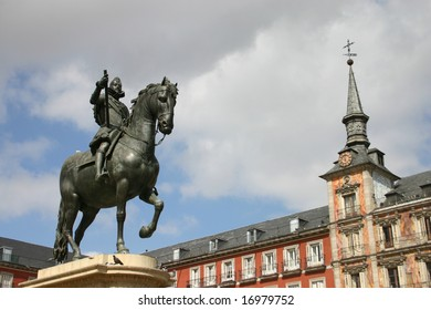 Statue of Philip III on the Plaza Mayor. The Plaza Mayor built during the Hapsburg period is a central plaza in the city of Madrid, Spain.