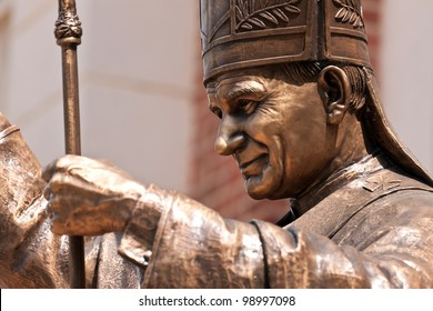 statue of Pope John Paul ll at Assumption Cathedral,Thailand