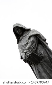 Statue of Priest is similar to Emperor and Jedi Knight