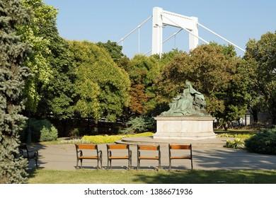 "Statue of Queen Elisabeth (Elisabeth of Bavaria, nicknamed ""Sisi"") near Elisabeth Bridge, Budapest, Hungary, Europe"
