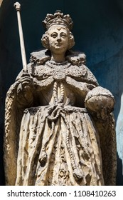A statue of Queen Elizabeth I, located on Fleet Street in the City of London, UK.  It is the only known statue of her to have been sculpted during her lifetime.