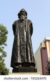 A statue of Rabindranath Tagore at Rabindra sadan in Kolkata