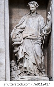 statue of the Salubrity in the Trevi Fountain. Rome