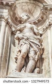 statue of Santa Maria di Nazareth Church