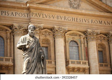 Statue of St. Peter by Giuseppe de Fabris at St Peter's Square, Vatican City, Italy.