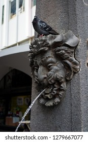 statue that spits water