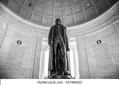 Statue of Thomas Jefferson inside memorial
